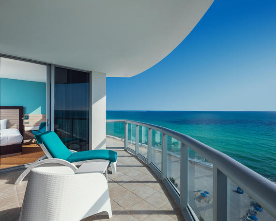 North miami beach hotels two bedroom suites marenas resort - Cheap 2 bedroom suites in miami beach ...