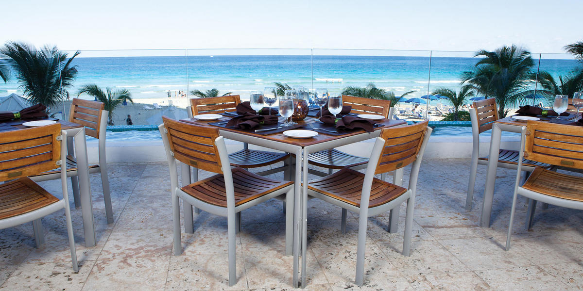 Beach front dining at Marenas Resort